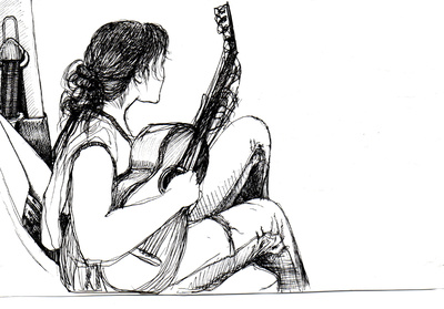 """Abbildung von """"Mina"""", Zeichnung in Fineliner. Die Zeichnung zeigt ein Mädchen mit Gitarre auf einem Autositz mit Gitarre von der Seite. Mehr siehe http://zuckerwein.com/"""